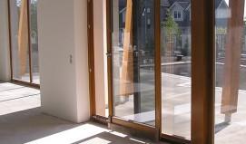 Vhodnye-razdvizhnye-dveri