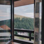 Мы продаем окна из профиля REHAU. Очевидные причины